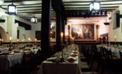 Tables in the Corral de la Moreria restaurant