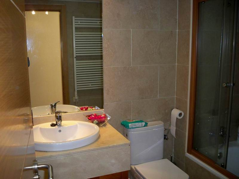 Long-term rental apartment in Madrid with swimming pool ...