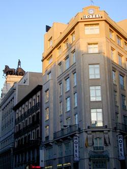 Hotel madrid puerta del sol for Hotel paris en madrid puerta del sol