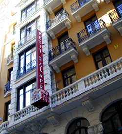 Cheap hotels in madrid close to airport