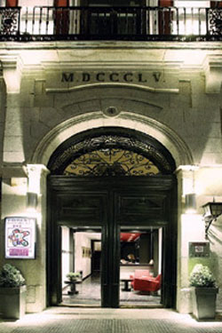 Hotel petit palace puerta del sol in madrid spain for Parking puerta del sol