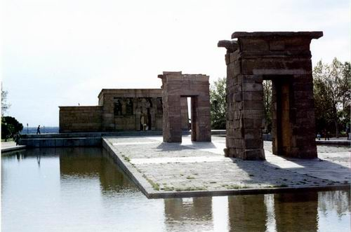 Lds Dating Sites >> The Templo de Debod, Madrid's Egyptian Temple